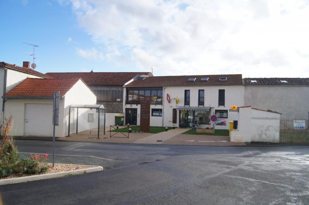 L'aménagement de la place centrale de la commune a été réalisé